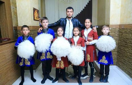 Школа лезгинки Иссы Алиева